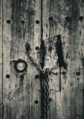 Porta (ancoay) Tags: door wood bw textura canon blackwhite puerta madera porta fusta canon600d ancoay