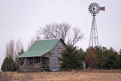 Standing tall (WORLDS APART PHOTO) Tags: wisconsin countryside farm country windmills waukeshacounty windmillwednesday