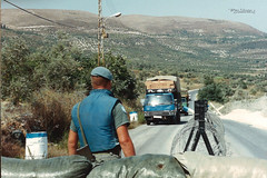 1992 UNIFIL - At checkpoint 4-26 (Normann Photography) Tags: lebanon un service 1992 cp 426 checkpoint libanon norwegianarmy unifil unitednationsinterimforcesinlebanon fntjeneste