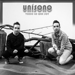 UNSONO (AlbaMD Photography) Tags: madrid boy blackandwhite espaa music man men blancoynegro boys spain band pop bn sing singer grupo msica hermanos portada pendiente grupodemsica