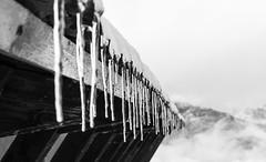 Ghiaccioli (Luciano Fochi) Tags: tetto neve valsesia ghiaccioli alpedimera