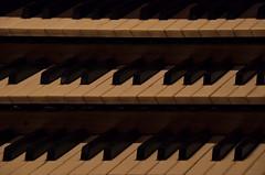 Handarbeit (Juliett09) Tags: orgel sigma18250 pentaxk5 darktable
