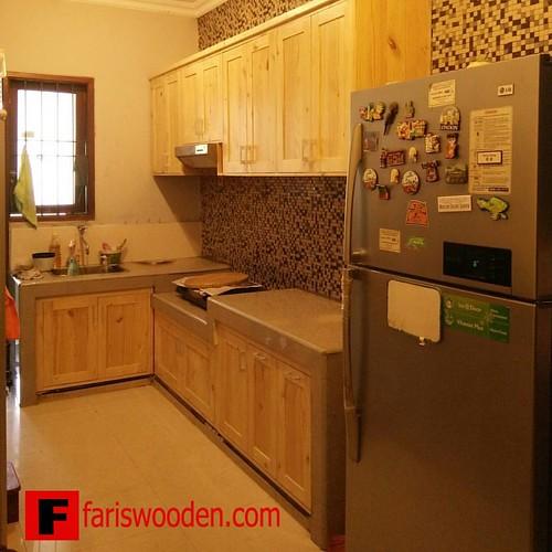 Kitchen Set Minimalis With Natural Color Finishing Kayujatibelanda