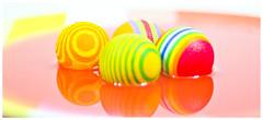 PELOTAS 2 (www.pablotipo.cl) Tags: agua colores pelotas verdes blancos rojos lquidos gamaalta