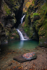 Nejire Waterfall || ネジレの滝 (lestaylorphoto) Tags: longexposure travel autumn fall nature water pool leaves rock japan flow tokyo waterfall moss nikon leslie taylor tama 東京 滝 d610 1635mm 奥多摩 ニコン nejire テイラー レスリー lestaylorphoto ネジレ