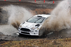 Dobinsk zima 2016 (Martin Hlinka Photography) Tags: ford car race canon eos fiesta outdoor rally sigma vehicle slovensko slovakia zima f28 jun motorsport watersplash 70200mm jozef r5 2016 dobin 60d dobinsk bre