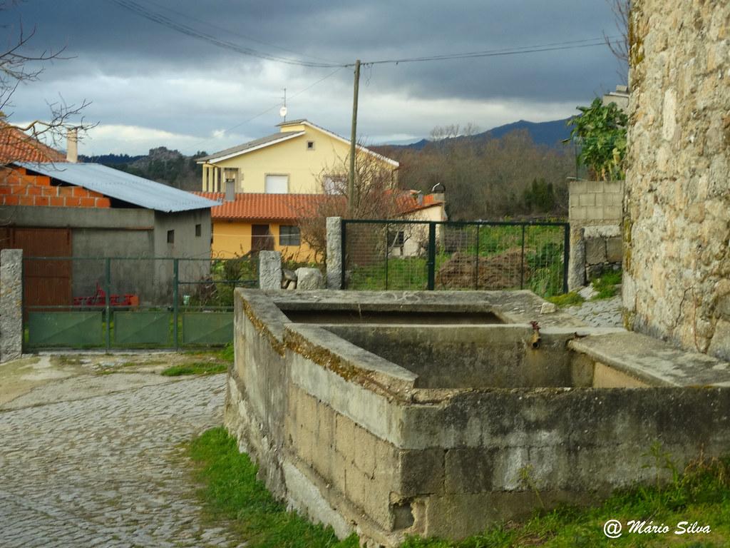 Águas Frias (Chaves) - ... o tanque e a Lampaça ...