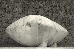 Eckehard Lowisch: 5 Nischen Projekt / The 5 Alcoves Project (wwwuppertal) Tags: blackandwhite bw sculpture art monochrome noiretblanc niche kunst skulptur struktur surface structure sw form marble monochrom toned wuppertal bergischesland nordrheinwestfalen alcove retainingwall vohwinkel toning plastik marmor oberflche northrhinewestphalia bahnhofsvorplatz schwarzweis nische getont stationforecourt sttzmauer tonung sigmaaf30mmf28exdn sonyalpha5000 sonyilce5000 the5alcovesproject 5nischenprojekt eckehardlowisch