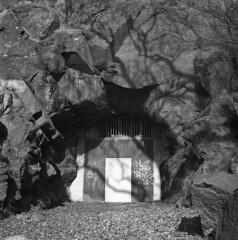 Portal (rotabaga) Tags: 120 6x6 mediumformat göteborg diy lomo lomography sweden gothenburg sverige tmax400 lubitel166 twinlens kviberg svartvitt mellanformat