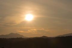 Salida del sol (Jos M. Arboleda) Tags: canon colombia jose paisaje amanecer neblina tamron niebla montaas arboleda salidadelsol popayn eosm josmarboledac 18200mmf3563di3vcb011