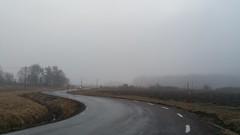 Foggy morning (hkkbs) Tags: road fog sweden sverige westcoast väg dimma västkusten kärna samsunggalaxynote4 20160318071333