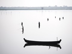 Waiting for Fish (Feldore) Tags: bridge lake heron water up silhouette boat fishing fishermen burma bein olympus panasonic u myanmar burmese mchugh mandalay lined em1 35100mm feldore dimamanuel