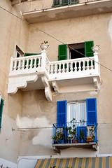 Ortona - centro storico (boscam) Tags: italia abruzzo finestre centrostorico balconi ortona