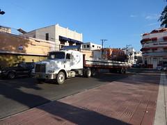 International Eagle with a flatbed trailer (RD Paul) Tags: truck dominicanrepublic international camion trucks santodomingo camiones repúblicadominicana