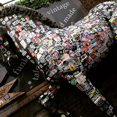 Interesting and colourful encounters #Camden #camdentown... (joyaofchiba) Tags: music london market camden camdentown uploaded:by=flickstagram instagram:photo=942721242182772911399195313 instagram:venuename=camdentownstablemarket instagram:venue=227717457