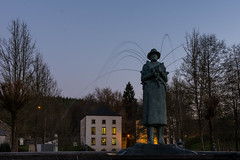 Moulin Klepper (peterfatson) Tags: blue statue pose moulin pentax hour fontaine wr heure bleue k3 klepper longue neufchateau 1685