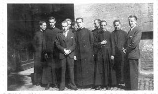 18. Ordenado sacerdote