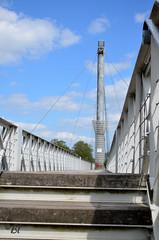 """Agen, l'accs  la passerelle sur la Garonne (Brigitte ... """"Tatie Clic"""") Tags: ciel cables pont nuages avril printemps escalier marches agen passerelle pilone aquitaine barrire lotetgaronne francesudouest 2016042563"""