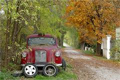 Nexing Ort 19 (lady_sunshine_photos) Tags: auto austria europa herbst shakespeare oldtimer niedersterreich weinviertel rosenburg herbstfrbung nexing