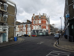 Video Location, SE London: Dexy's Midnight Runners (roger.w800) Tags: london location musicvideo southwark selondon dexysmidnightrunners comeoneileen brookdrive comeoneileenvideo comeoneileenlocation