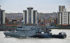 FGS Pegnitz M1090 @ Gallions Reach 18-04-16 (AJBC_1) Tags: uk england london boat ship unitedkingdom military navy vessel riverthames nato warship minesweeper eastlondon gallionsreach mcv nikond3200 northwoolwich newham germannavy navalvessel londonboroughofnewham deutschemarine minehunter m1098 m1090 3minensuchgeschwader ensdorfclassminesweeper dlrblog ajc bundeswehrnavy fgspegnitz 3rdgermanminesweepingsquadron