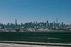Vue Manhattan (florent.duchastel) Tags: nyc light panorama usa newyork building skyline brooklyn america fuji unitedstates state manhattan esb empire fujifilm skyscrapper x100 amerique x100t