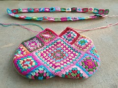 2016-04-24_08-28-31 (crochetbug13) Tags: bag square flamingoes squares flamingo crochet flamingos purse crocheted tote grannysquare crocheting