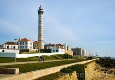 Farol da Boa Nova (vmribeiro.net) Tags: lighthouse portugal nova geotagged sony boa porto farol tamron prt matosinhos palmeira lea a350 rdo geo:lat=4120163591 geo:lon=871316403