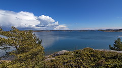 Landscape at r Island, Baltic Sea, Finland. (Holtsun napsut) Tags: park sea suomi finland landscape island outdoor east tokina national meri itmeri kansallispuisto saari 1116mm r patikointi