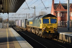 """Freightliner Class 66/5, 66515 (37190 """"Dalzell"""") Tags: gm shed fred northwestern wigan greenyellow generalmotors freightliner class66 66515 class665"""