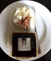 David Bowie is. Groninger Museum. Groningen. (elsa11) Tags: cake museum whippedcream groningen davidbowie groningermuseum ziggystardust davidbowieis davidbowieexhibition exhibitiondavidbowieis davidbowiearchive