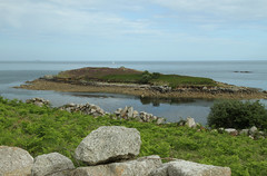 Toll's Island, St Mary's (Scilly Isle) Tags: blue sea sky cloud green bird water canon duck sand cornwall yacht cove tomb duckling isles scilly burialground islesofscilly kernow archipeligo scillyisles scillonian innisidgen watermillcove pelistry canon7d barpoint pendrathen isesofscilly