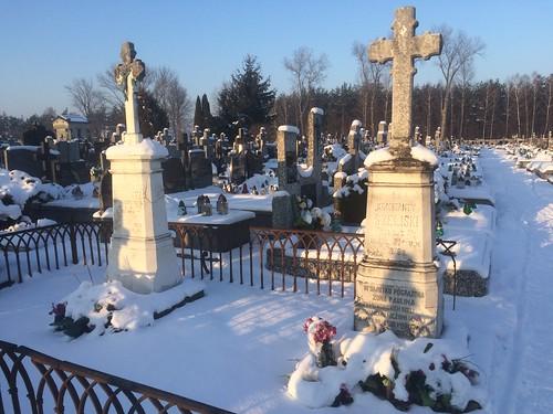 Nagrobek Konstantego i Pauliny Szeliskich na cmentarzu w Kołbieli