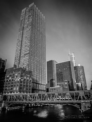Urban vibes in Chicago 1 (JP Defay) Tags: urban blackandwhite usa white chicago black monochrome america skyscraper buildings illinois unitedstates noiretblanc rue extérieur tourisme windycity urbanarchitecture blackwhitephotos northernamerica