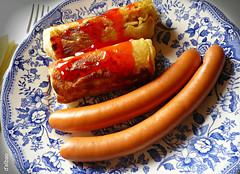 Hoy tocan cilindros (Franco D´Albao) Tags: food lumix comida plate sausages rolls plato salchichas combined combinado cilinders cilindros rollitos dalbao francodalbao