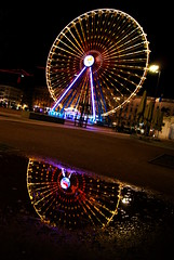 Reflection - Shot N°2 (Oussama MORTET) Tags: street winter light cloud france cold color reflection colors night dark circle fun creativity one mirror reflex nice europe exposure nightshot bright lyon outdoor lumière awesome great illumination special reflet sombre round ferriswheel late dslr nuit infinite masterpiece hangout granderoue obscurité thelook bellecour rhonealpes vieuxlyon presquîle supershot oussama imagenary suprshot onlylyon mortet sonya230