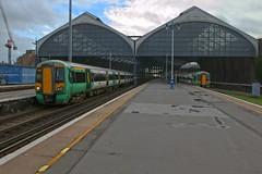 377415 + 377460 (40011 MAURETANIA) Tags: train brighton transport southern emu britishrail unit 442 387 313 377 govia overallroof