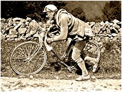 1922 TDF Another broken fork for Eugène Christophe (Sallanches 1964) Tags: tourdefrance bikeraces roadcycling ancienttimes frenchcyclists eugènechristophe prehistoryof