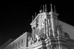 Big Beauty (marta.cavaliere) Tags: torino piazzasancarlo bianncoenero