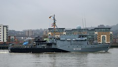 FGS Siegburg M1098 (6) @ Gallions Reach 15-04-16 (AJBC_1) Tags: uk england london boat ship unitedkingdom military navy vessel riverthames nato warship minesweeper eastlondon gallionsreach mcv nikond3200 northwoolwich newham germannavy navalvessel londonboroughofnewham deutschemarine minehunter m1098 m1090 3minensuchgeschwader ensdorfclassminesweeper dlrblog ajc bundeswehrnavy fgssiegburg 3rdgermanminesweepingsquadron