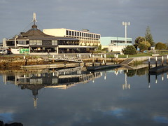 In the calm of the morning (Karen Pincott) Tags: newzealand reflections reflecting earlymorning calm napier hawkesbay ahuriri bluewaterhotel