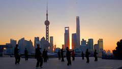 Shanghai - Taiji on the Bund (cnmark) Tags: china shanghai huangpu district bund morning sunrise taiji taichi taijiquan taichichuan martial arts 太极拳 中国 上海 外滩 ©allrightsreserved action
