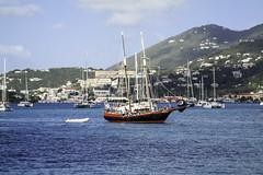 5000 (eacampos) Tags: mar barcos nx30