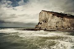 Etretat (soleá) Tags: ocean travel cliff seascape france beach nature water canon europe sightseeing atlantic normandy plage etretat soleá carmengonzalez normandybeachesnow