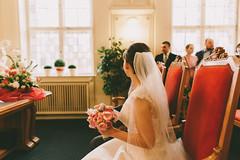 Standesamt Schneberg (Yuliya Bahr) Tags: wedding red woman berlin girl germany bride back veil hochzeit impresion weddingingermany hochzeitsfotografberlin weddingphotographerberlin hochzeitsfotografbrandenburg hochzeotsfotografmnchen