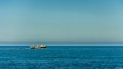 Sail away. (J. D. Escobar) Tags: chile azul boat mar barco via pacific pacificocean sail sailaway minimalist pacifico oceano viadelmar minimalista