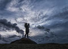 Cazadora de nubes........... (T.I.T.A.) Tags: sky galicia nubes tormenta pontevedra tita lanzada nwn sanxenxo alanzada playadelalanzada lalanzada carmensolla carmensollafotografía carmensollaimágenes