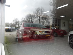 SAAB 93 en 78-DP-16 SAAB 99L pick up bij SAAB Apeldoorn (willemalink) Tags: en up pick 93 saab bij apeldoorn 99l 78dp16