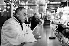 4H du matin, le premier caf  la Mare (adrien.morlent) Tags: bw fish france caf europe market nb coffe march matin mare rungis tt