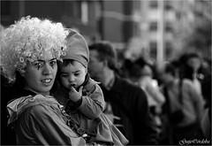 Duendecillo (Guijo Crdoba-fotografa) Tags: portrait people espaa woman blancoynegro mujer spain gente bokeh retrato nikond70s nia disfraz carnaval paisvasco vitoriagasteiz wom profundidaddecampo miradas monocromtico fotodegrupo blackandwhiteonly carnavaldevitoria guijocordoba